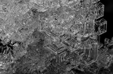 Ice Svalbard,ice,close-up,close up,shallow focus,dark background,black background,crystals,black and white,b&w,abstract