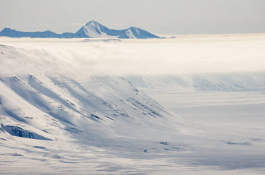 Light & Land Svalbard,Arctic,landscape,snow,light,cloud,white,snowscape,mountains,valley